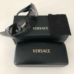 3747d0c2c83 Versace Accessories - Versace 4098-B sunglasses